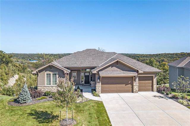 6813 Millbrook Street, Shawnee, KS 66218 (#2203292) :: Team Real Estate