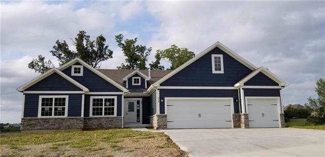 925 SE Wood Ridge Court, Blue Springs, MO 64014 (#2203352) :: Eric Craig Real Estate Team