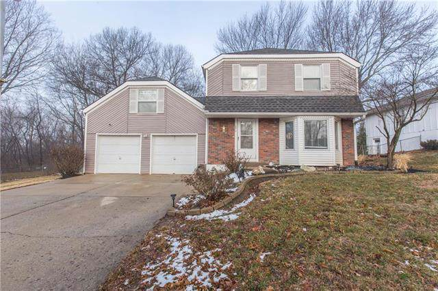 9612 N Charlotte Street, Kansas City, MO 64155 (#2203360) :: Dani Beyer Real Estate