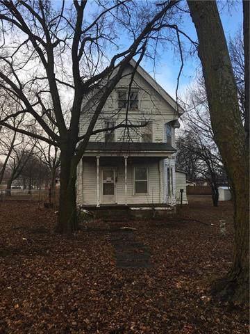 301 Howard Street, Effingham, KS 66023 (#2203426) :: Eric Craig Real Estate Team