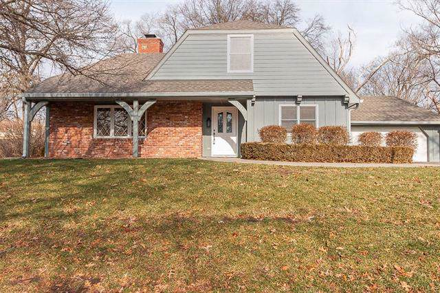 1624 W 19th Terrace, Lawrence, KS 66046 (#2203589) :: Edie Waters Network