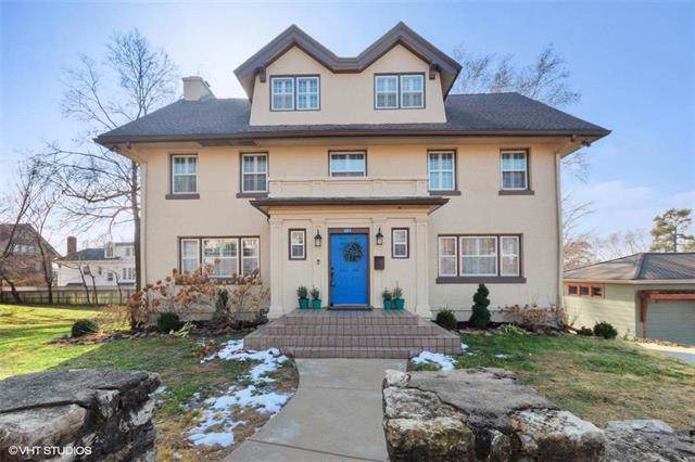 611 E 46th Street, Kansas City, MO 64110 (#2203596) :: Eric Craig Real Estate Team