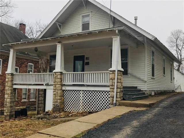 310 N Pearl Street, Paola, KS 66071 (#2203602) :: Eric Craig Real Estate Team