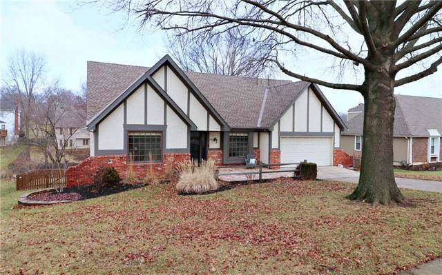 808 W 121st Street, Kansas City, MO 64145 (#2203619) :: Eric Craig Real Estate Team