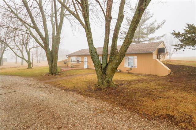 21540 Oakcrest Road, Spring Hill, KS 66083 (#2203696) :: Eric Craig Real Estate Team