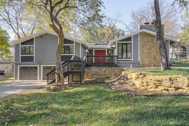 12312 Cherokee Lane, Leawood, KS 66209 (#2203713) :: Austin Home Team