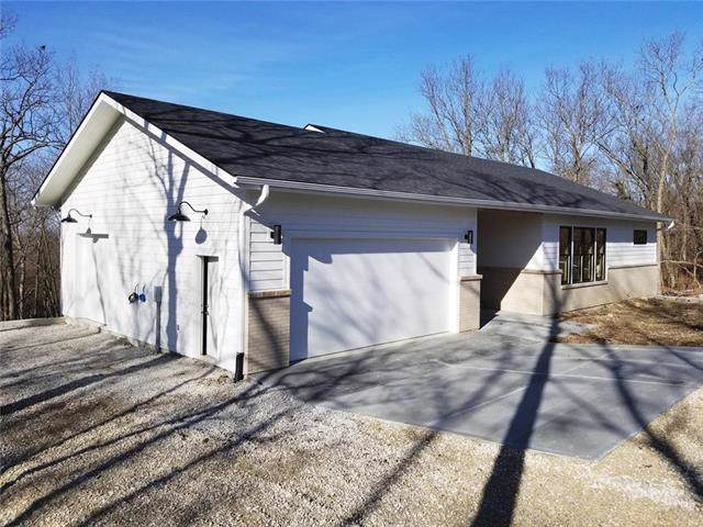 572 SE 80 Road, Warrensburg, MO 64093 (#2203745) :: The Shannon Lyon Group - ReeceNichols