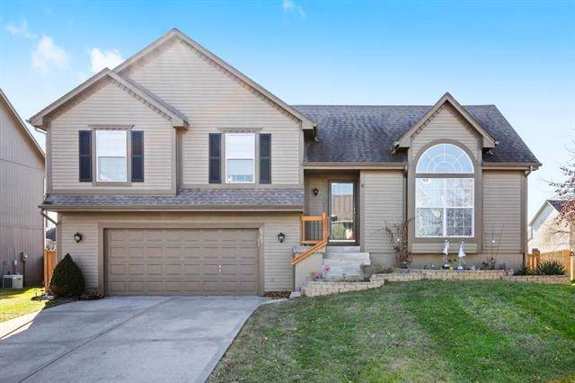 625 E Willow Street, Gardner, KS 66030 (#2203756) :: Team Real Estate