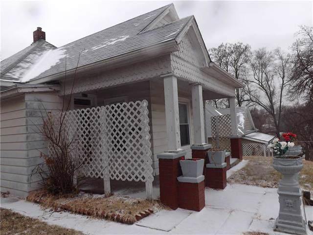 2506 N 15th Street, St Joseph, MO 64505 (#2203794) :: Eric Craig Real Estate Team