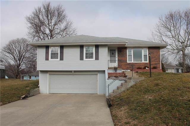 2917 Bristol Street, St Joseph, MO 64506 (#2203797) :: Dani Beyer Real Estate