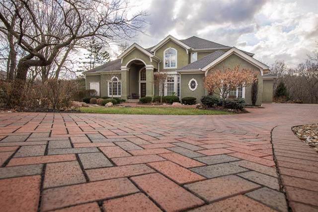 3005 SW 19th Street, Blue Springs, MO 64015 (#2203900) :: Team Real Estate