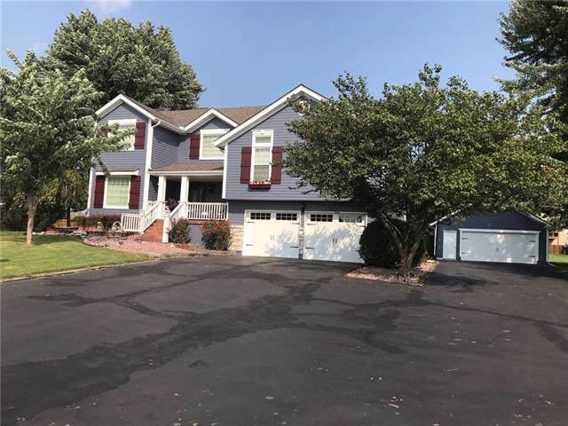 10917 NE Blackwell Road, Lee's Summit, MO 64086 (#2203911) :: Team Real Estate