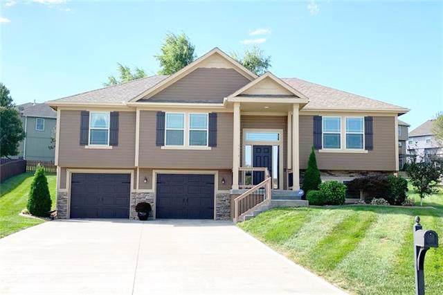 2210 NE Treetop Drive, Blue Springs, MO 64029 (#2203929) :: Team Real Estate