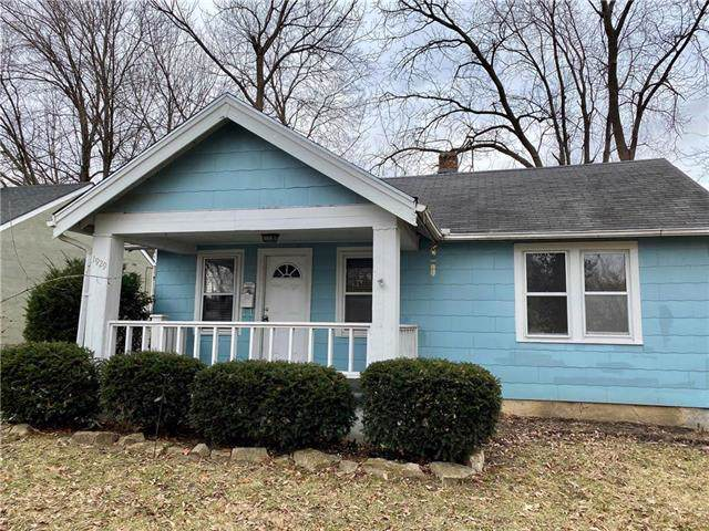 1929 S Ash Avenue, Independence, MO 64052 (#2203945) :: Eric Craig Real Estate Team