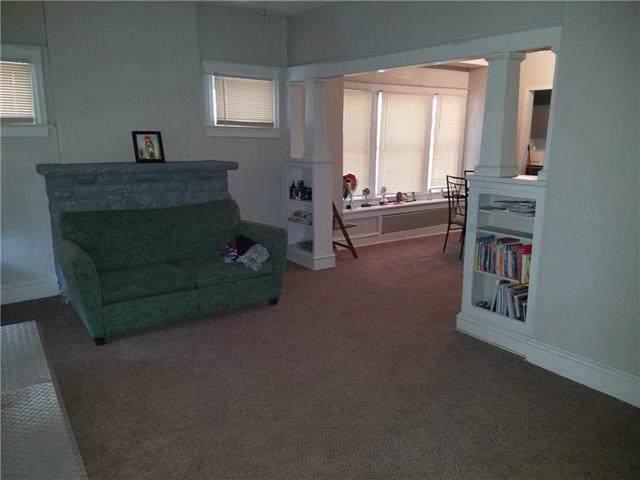 2442 Mersington Avenue, Kansas City, MO 64127 (#2203946) :: NestWork Homes