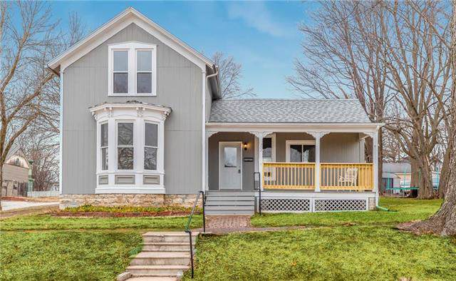 702 E Piankishaw Street, Paola, KS 66071 (#2203957) :: Eric Craig Real Estate Team