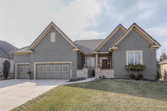 16222 Overbrook Lane, Stilwell, KS 66085 (#2203969) :: Team Real Estate