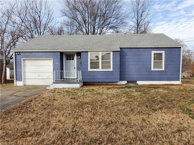 123 E Russell Avenue, Warrensburg, MO 64093 (#2203975) :: The Shannon Lyon Group - ReeceNichols