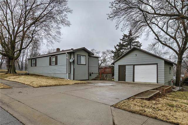 7401 N Troost Avenue, Gladstone, MO 64118 (#2203977) :: Austin Home Team