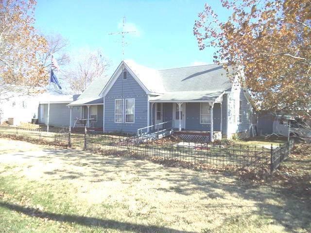 23238 Topeka Street, Vassar, KS 66543 (#2203983) :: Austin Home Team