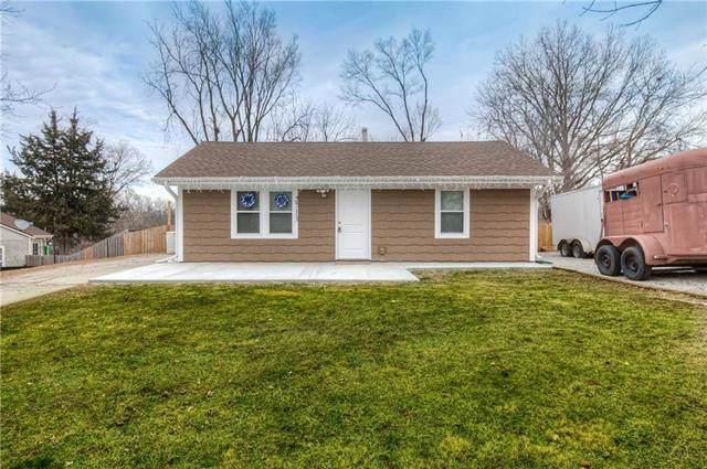 2713 N 64th Street, Kansas City, KS 66104 (#2204033) :: Dani Beyer Real Estate