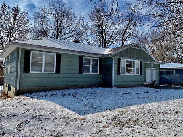 3210 Dale Avenue, St Joseph, MO 64506 (#2204102) :: Edie Waters Network