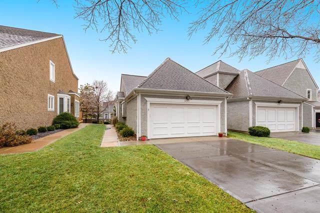 6717 W 126th Street, Overland Park, KS 66209 (#2204116) :: Dani Beyer Real Estate