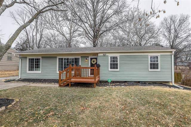104 W 97th Street, Kansas City, MO 64114 (#2204126) :: Team Real Estate
