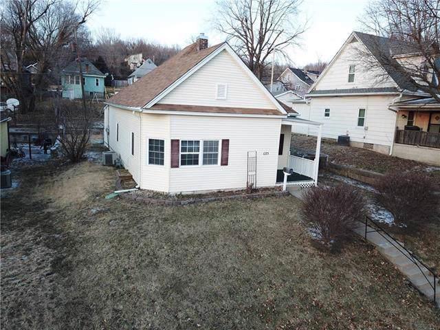 605 E Missouri Street, St Joseph, MO 64504 (#2204147) :: Eric Craig Real Estate Team