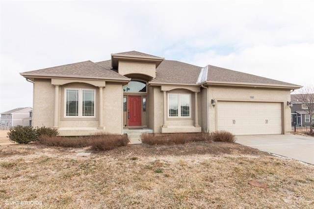 23724 W 92nd Terrace, Lenexa, KS 66227 (#2204148) :: Team Real Estate