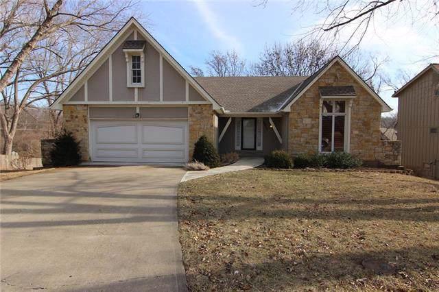 6807 Greenwood Street, Shawnee, KS 66216 (#2204157) :: Team Real Estate