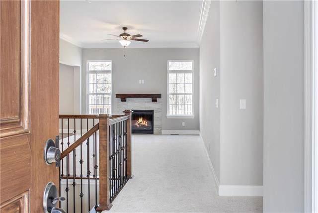4904 Longview Street, Shawnee, KS 66218 (#2204173) :: Team Real Estate