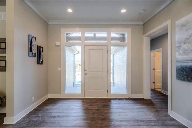 6829 Marion Drive, Shawnee, KS 66218 (#2204187) :: Team Real Estate