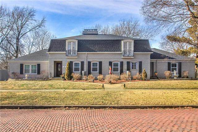 110 S Castle Street, Paola, KS 66071 (#2204278) :: Dani Beyer Real Estate
