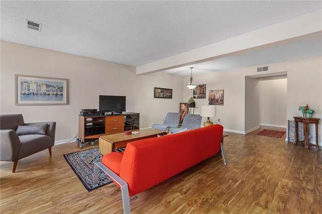 12722 W 110th Terrace, Overland Park, KS 66210 (#2204284) :: The Shannon Lyon Group - ReeceNichols