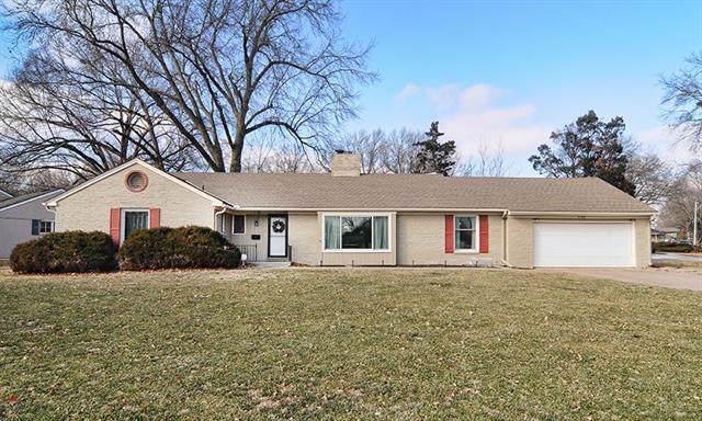 3100 W 95th Street, Leawood, KS 66206 (#2204295) :: Team Real Estate