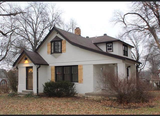 5727 Garnett Street, Shawnee, KS 66203 (#2204344) :: The Shannon Lyon Group - ReeceNichols