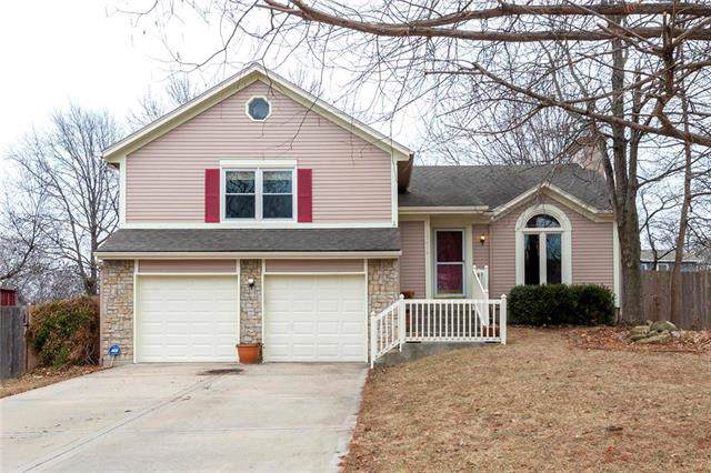 12419 S Seminole Drive, Olathe, KS 66062 (#2204369) :: House of Couse Group