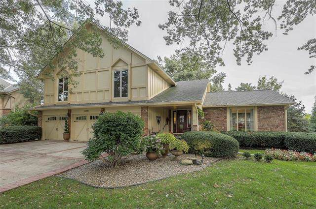 4800 W 111 Terrace, Leawood, KS 66211 (#2204400) :: The Shannon Lyon Group - ReeceNichols