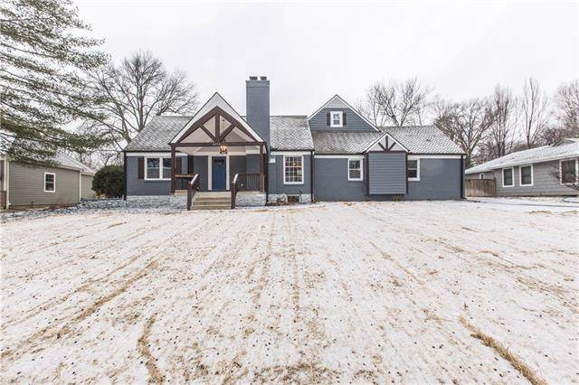 8414 Lee Boulevard, Leawood, KS 66206 (#2204510) :: The Shannon Lyon Group - ReeceNichols