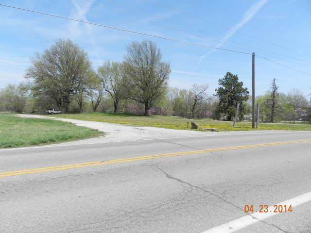 7270 K68 Highway, Louisburg, KS 66053 (#2204546) :: Dani Beyer Real Estate