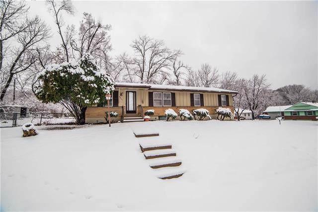 8402 Ford Street, Raytown, MO 64138 (#2204640) :: Dani Beyer Real Estate