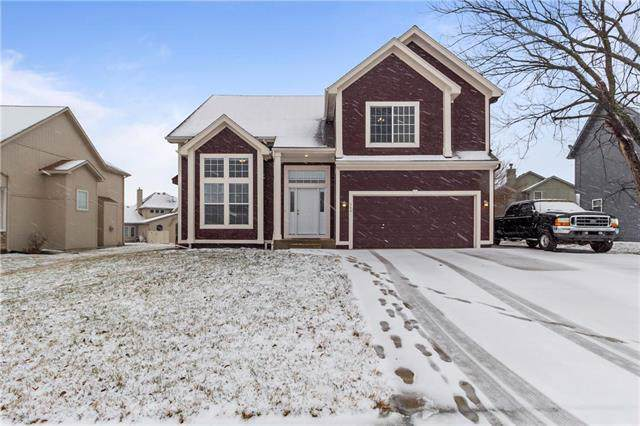 360 W Sunset Street, Gardner, KS 66030 (#2204662) :: Dani Beyer Real Estate
