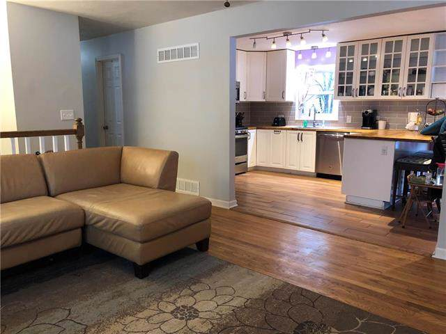 420 E 90TH Terrace, Kansas City, MO 64131 (#2204665) :: Eric Craig Real Estate Team