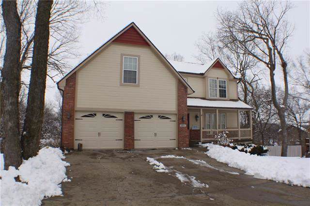 2502 SW Locust Street, Oak Grove, MO 64075 (#2204692) :: Team Real Estate