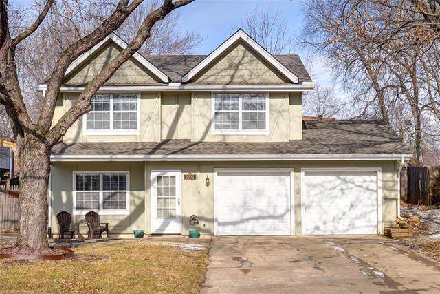 1202 NW 64th Terrace, Kansas City, MO 64118 (#2204717) :: Edie Waters Network