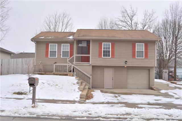 1311 Susan Street, Kearney, MO 64060 (#2204799) :: Edie Waters Network