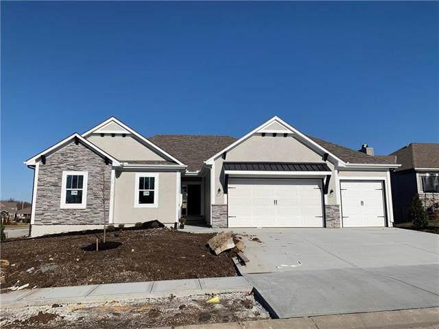 801 SE Oriole Court, Blue Springs, MO 64014 (#2204807) :: Team Real Estate