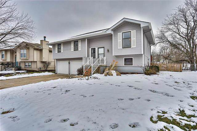 2051 NE Patterson Drive, Lee's Summit, MO 64086 (#2204822) :: Eric Craig Real Estate Team