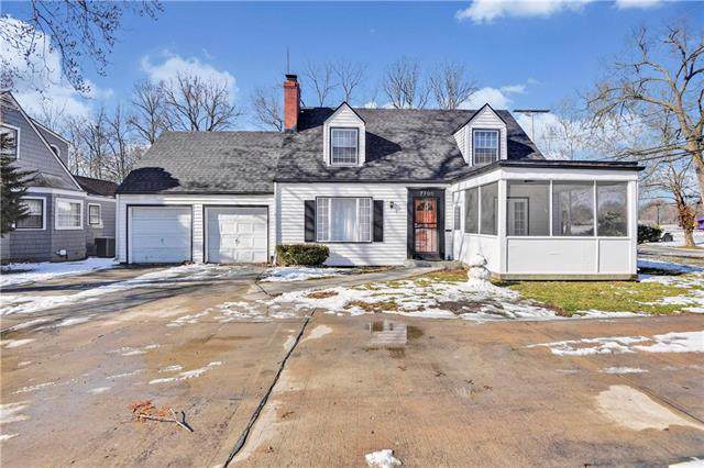 7700 Holmes Road, Kansas City, MO 64131 (#2204886) :: Eric Craig Real Estate Team
